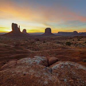 Monument Valley wall prints buy online - Enrico Lorenzani